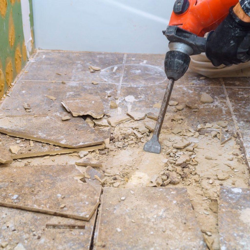 Comment rattraper le sol et le plafond suite à l'abattage d'une cloison ?